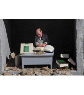 Isaac Cordal - The Intelectual